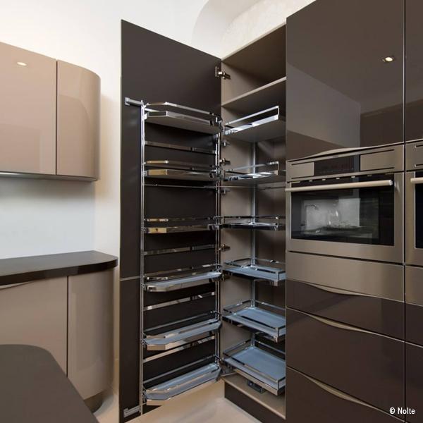 Moderner Vorratsschrank Küchenstudio Benzinger Friolzheim
