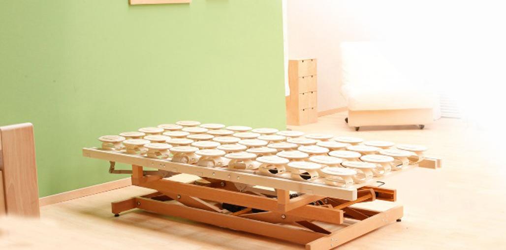 Holzhebehilfe Niedrigste Einstellung der Liegefläche 31,5 cm