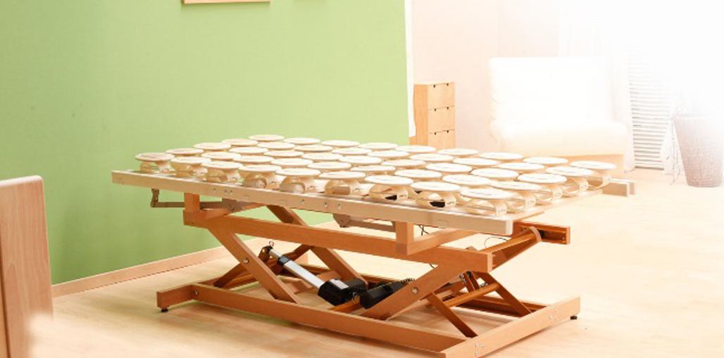 Holzhebehilfe Höchste Einstellung der Liegefläche 77,5 cm